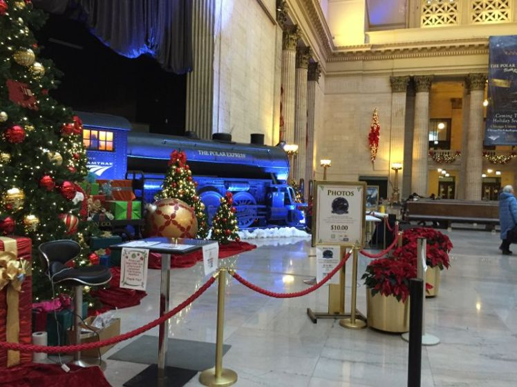 img_4774 - Chicago Christmas Station